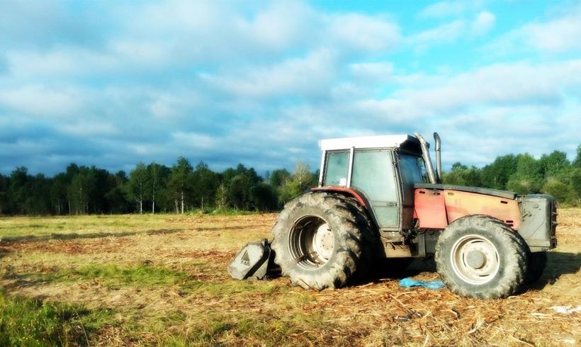 Déchiquetage par tracteur